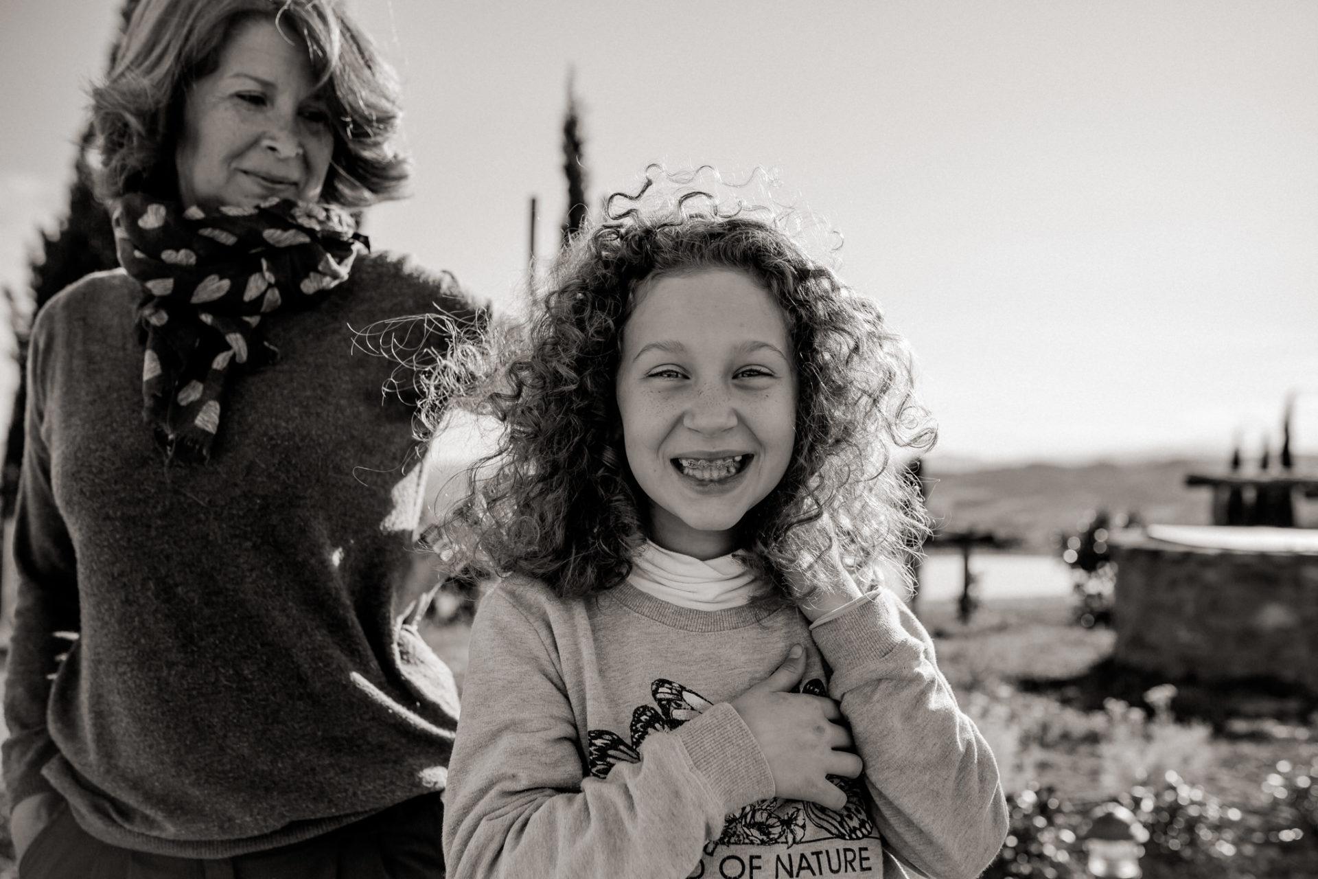 Family Fusion Italien-italienischer Spirit-Dimora Santa Margherita-Ungestellte Familienbilder-familienfotograf Stuttgart-Mutterliebe