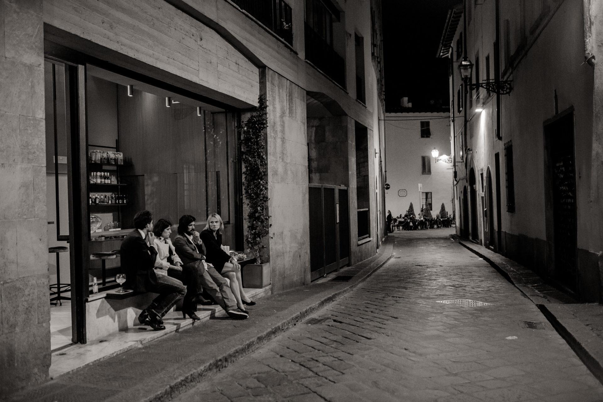 europa roadtrip mit hund-toskana entdecken-abseits der Touristen in Italien-hochzeitsfotograf Toskana-Florenz am Abend