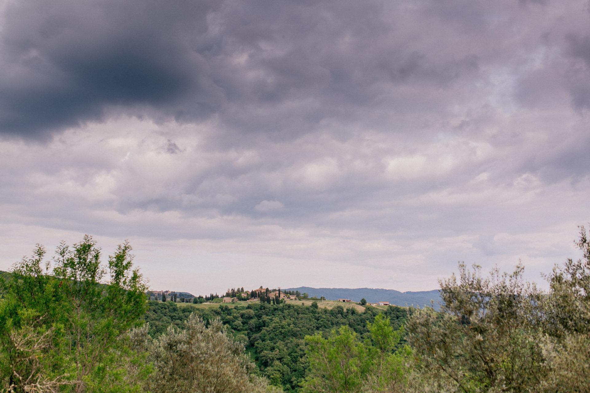 europa roadtrip mit hund-toskana entdecken-hochzeitsfotograf Toskana-chianti wandern-weingüter touren