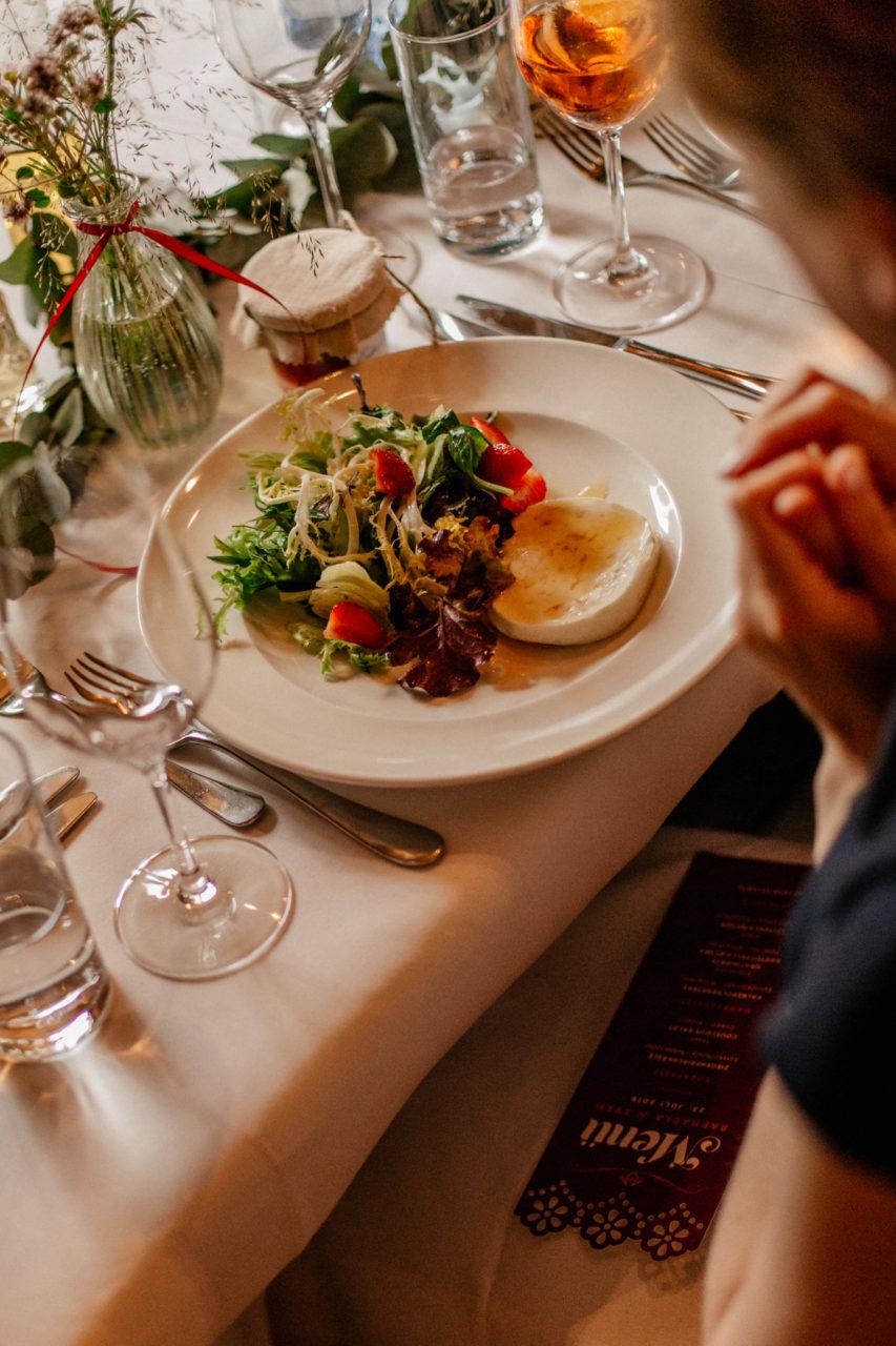 Hochzeitsfotograf Vorarlberg Millruette-Hüttenhochzeit-Abendessen