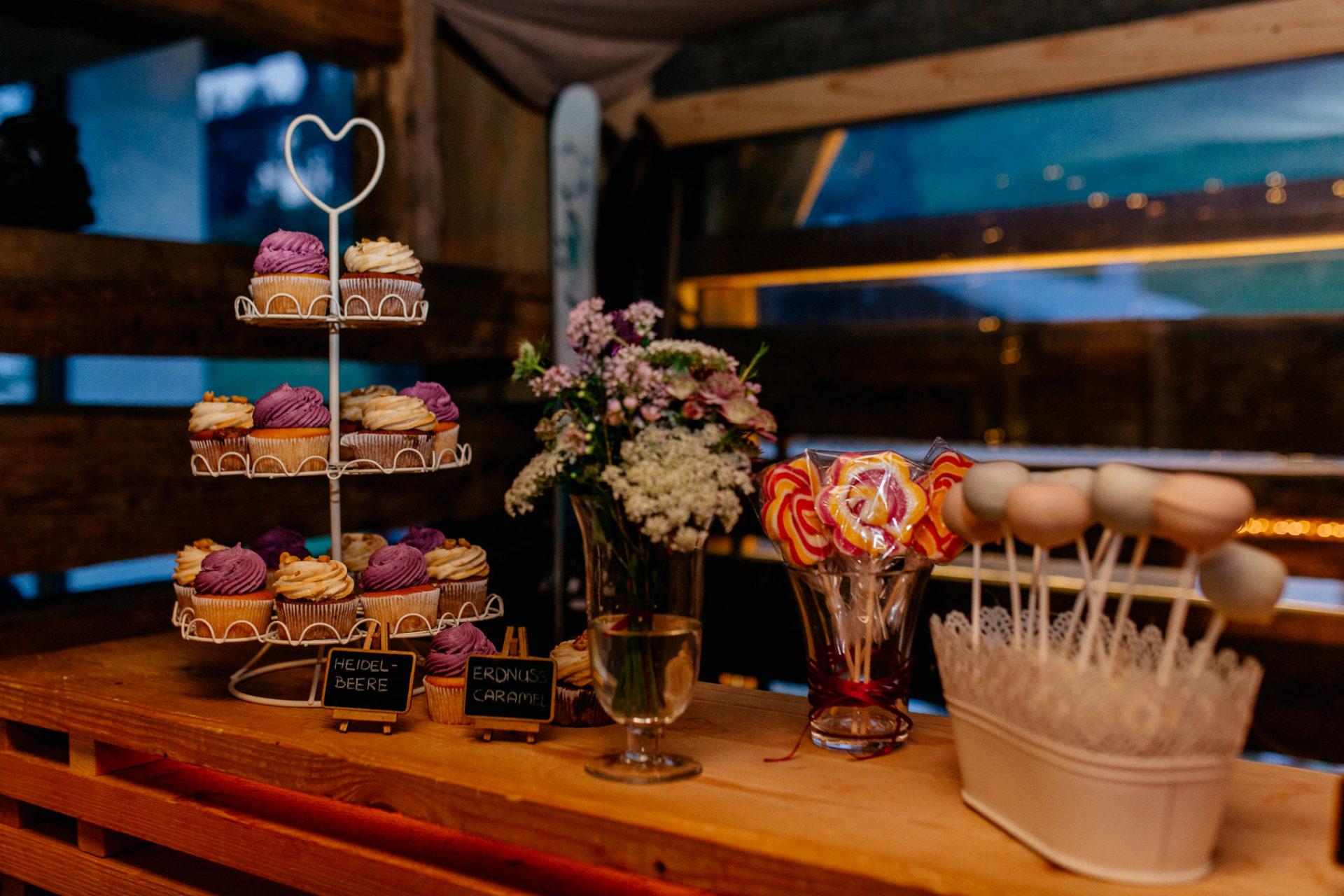Hochzeitsfotograf Vorarlberg Millruette-Hüttenhochzeit-candy bar