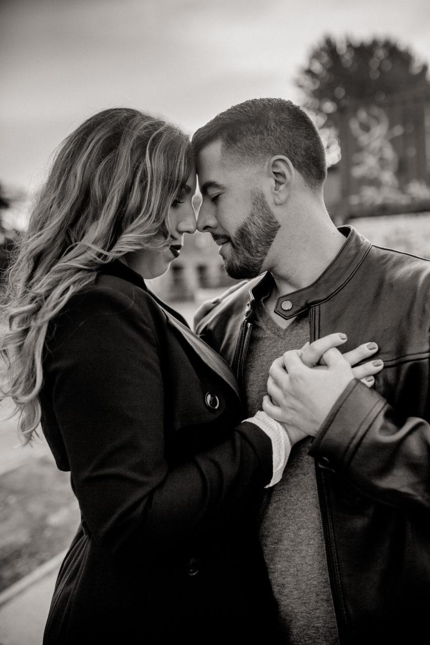 engagement photos berlin-wedding photographer berlin friedrichshain-couple portrait black and white