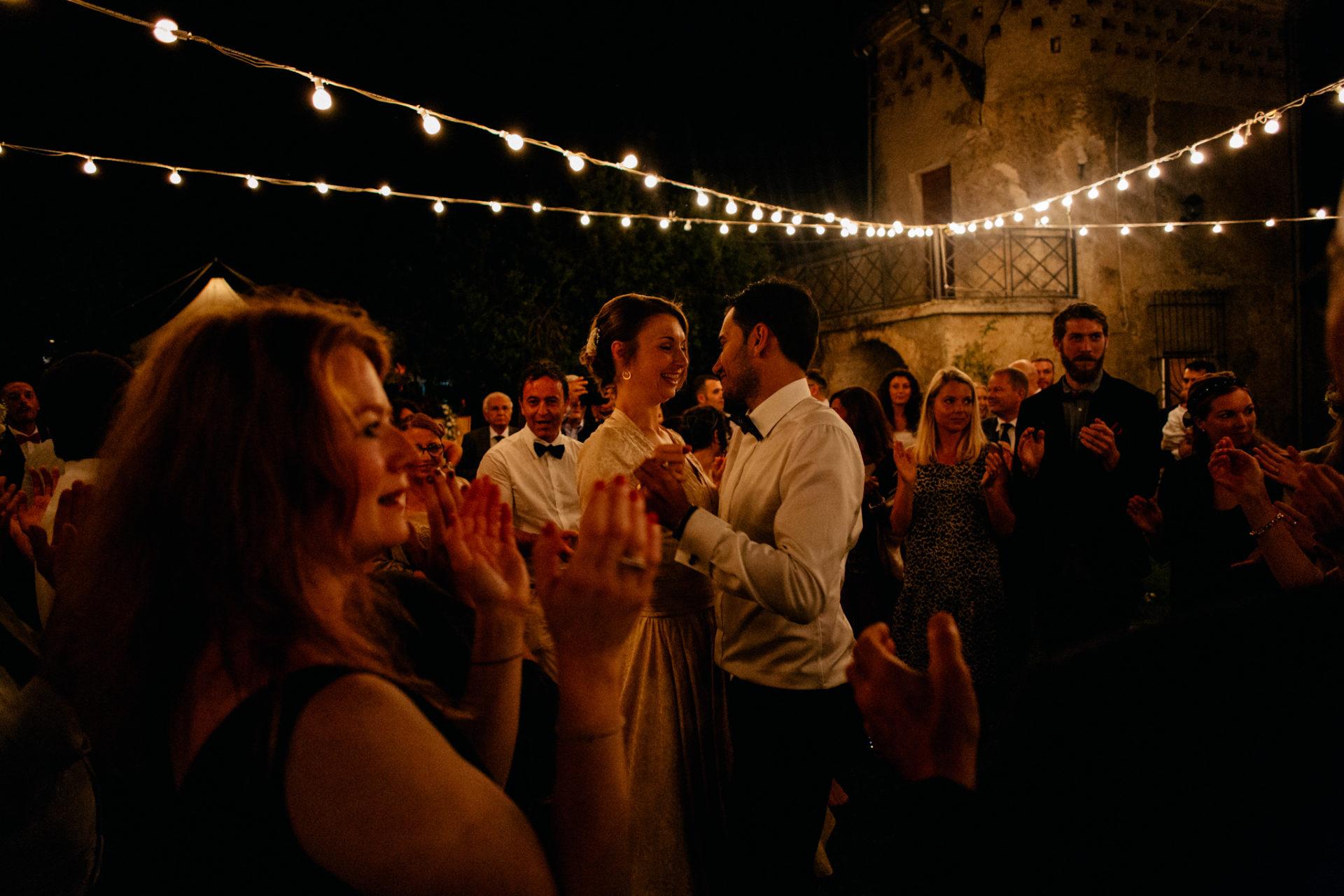 Hochzeitsfotograf Amalfi Küste-heiraten Italien-Hochzeitstanz im freien