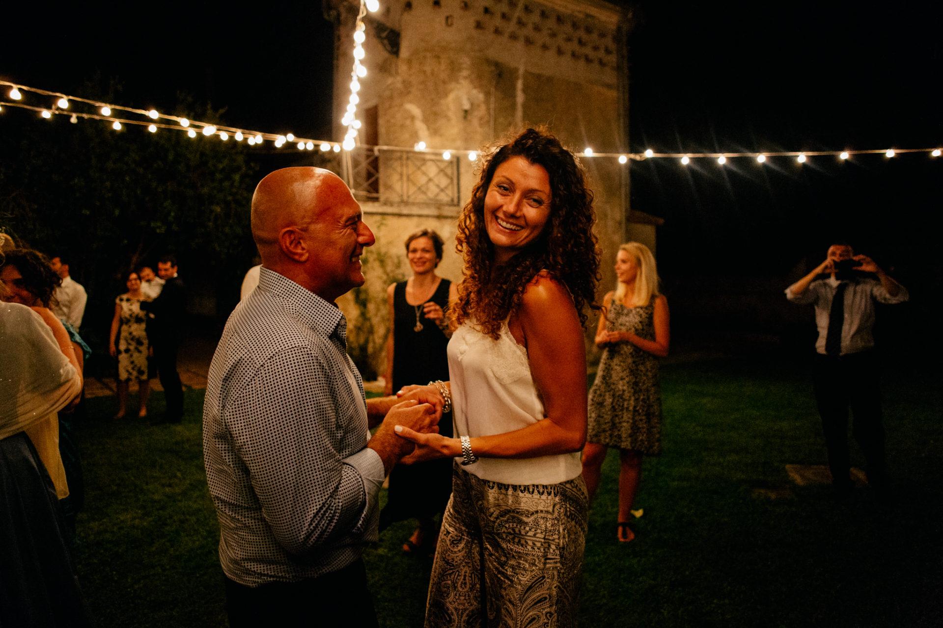 Hochzeitsfotograf Amalfi Küste-heiraten Italien-Party tanzen