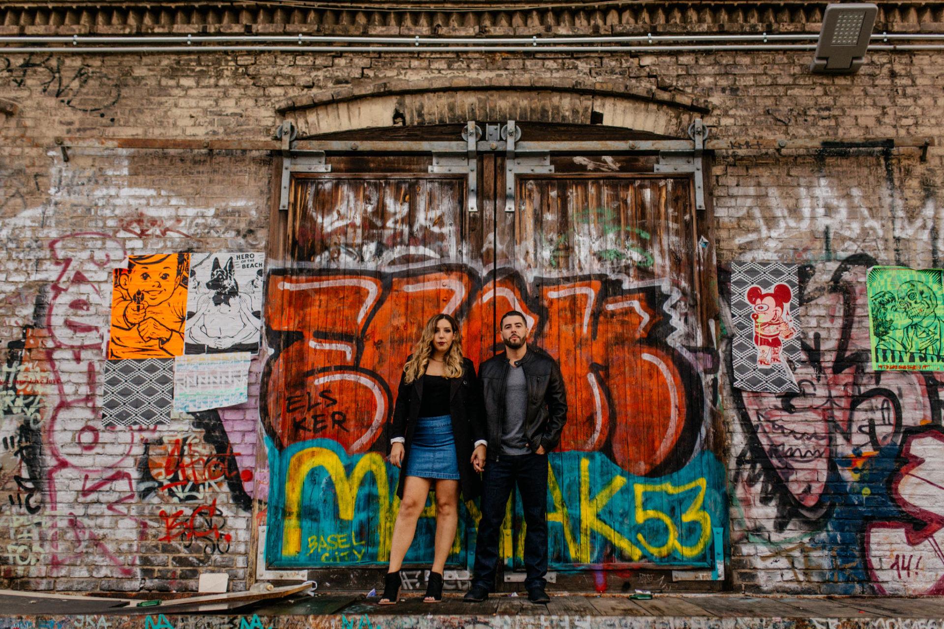 Verlobungsfotos Berlin-Paarfotos RAW Gelände