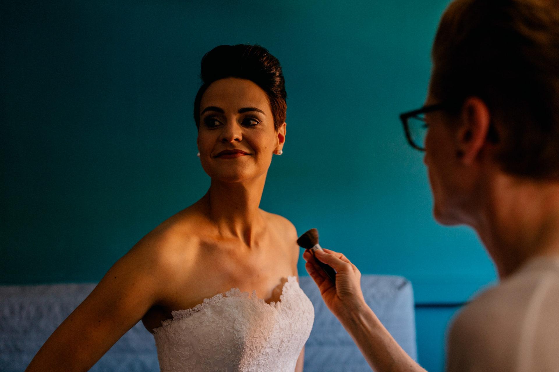 Weingut Fitz Ritter Hochzeitsfotograf-heiraten Pfalz-Sommerhochzeit Braut Getting Ready