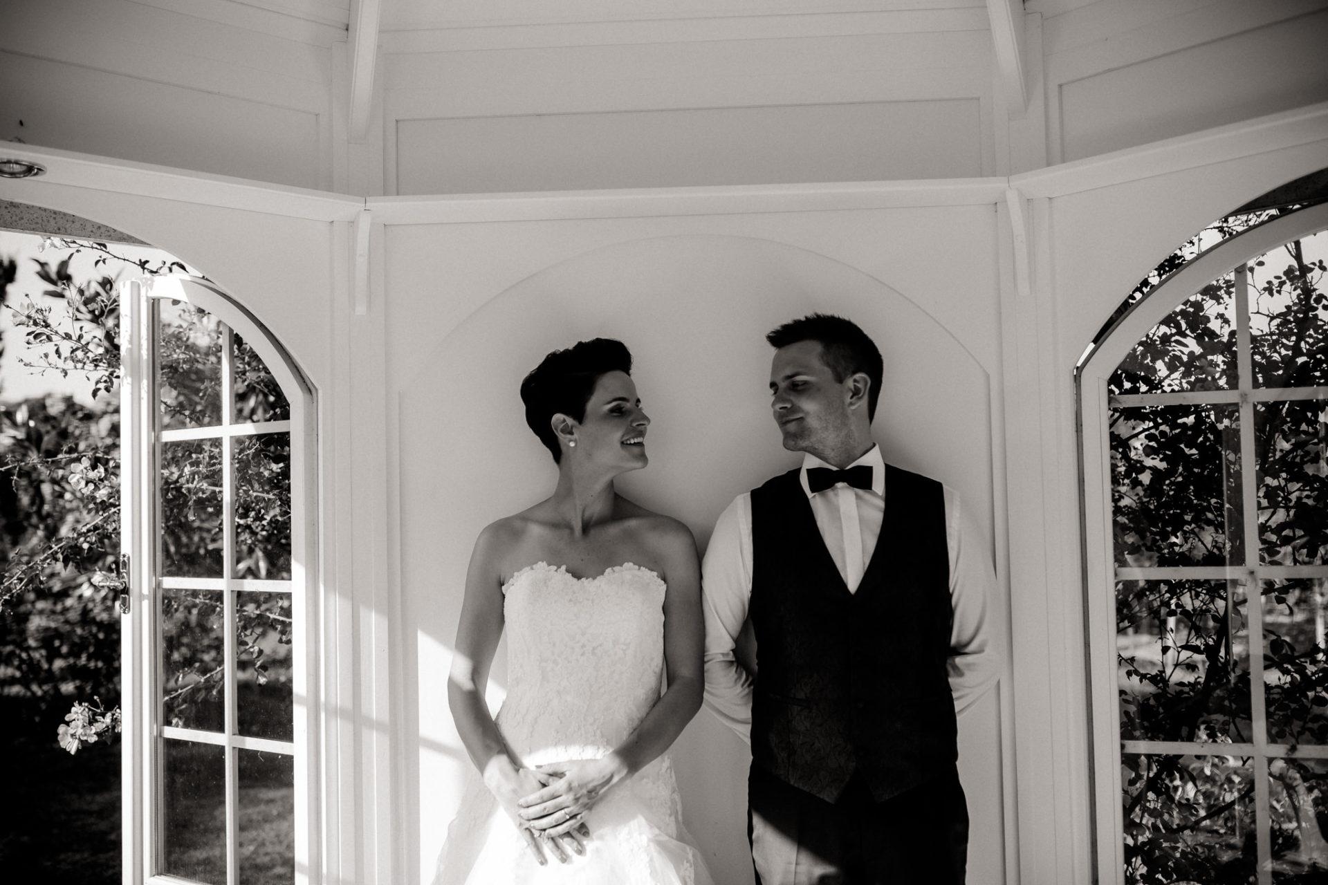 Weingut Fitz Ritter Hochzeitsfotograf-heiraten Pfalz-Sommerhochzeit Pavilion