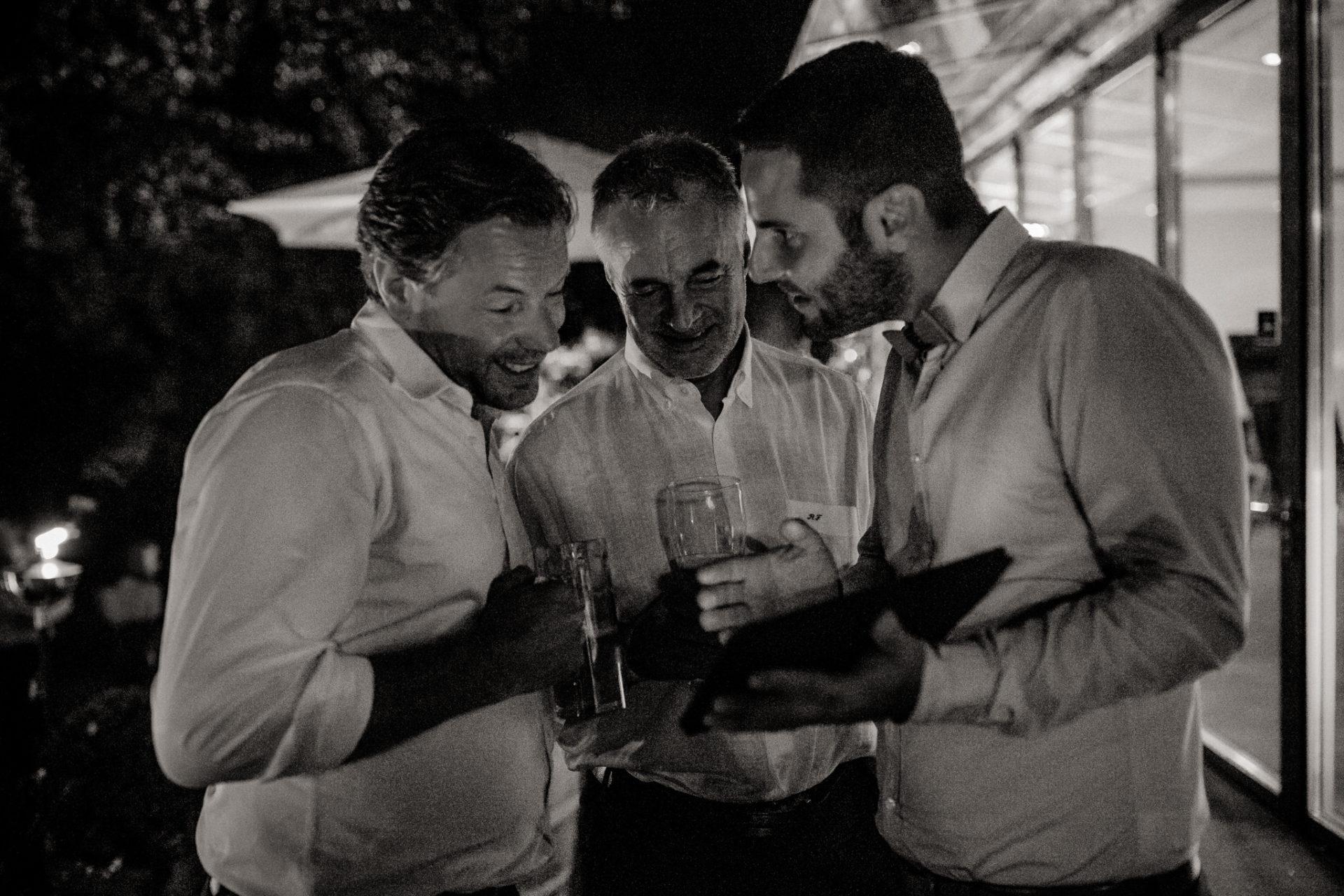 Weingut Fitz Ritter Hochzeitsfotograf-heiraten Pfalz-Sommerhochzeit Hochzeitsgäste