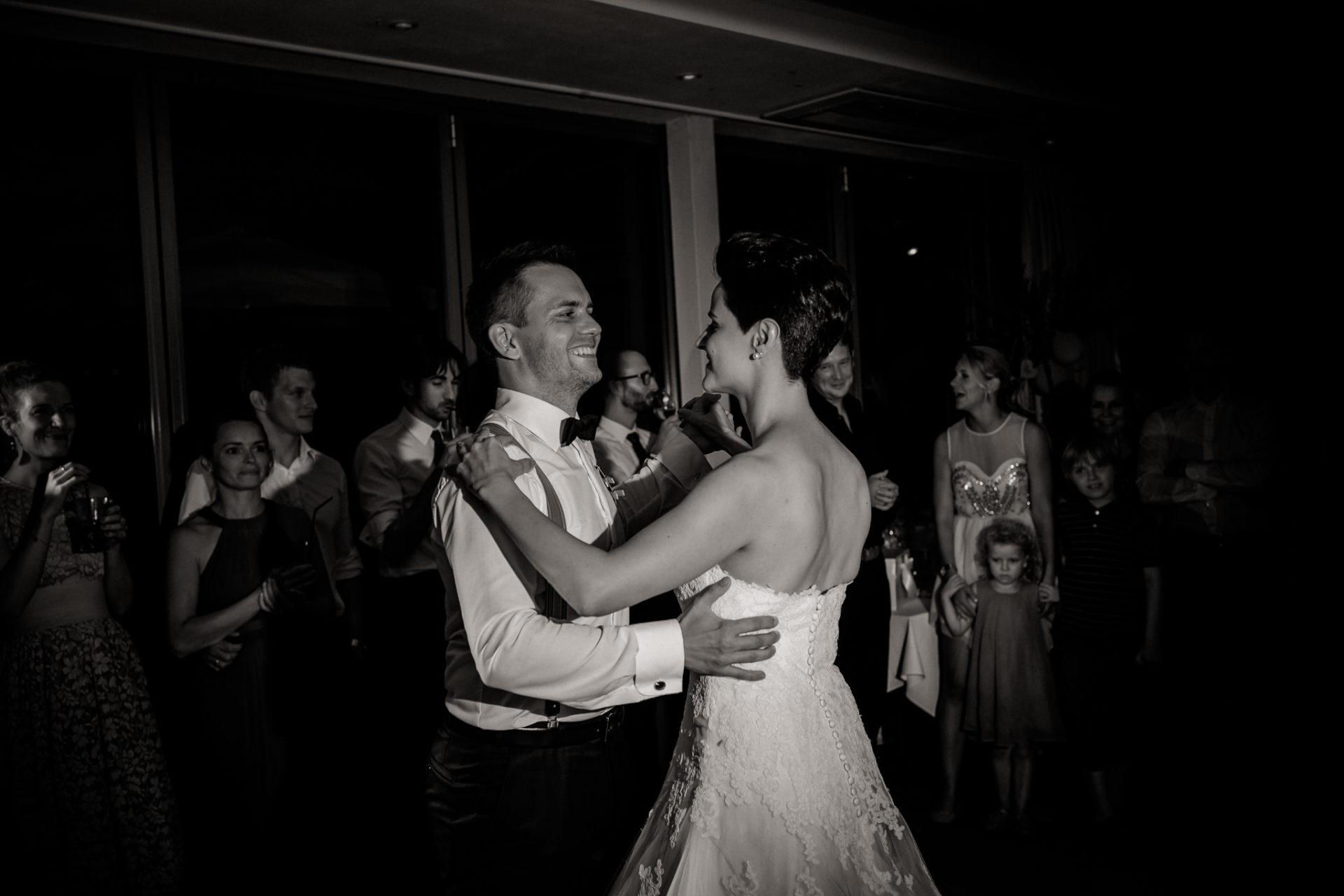 Weingut Fitz Ritter Hochzeitsfotograf-heiraten Pfalz-Sommerhochzeit Hochzeitstanz