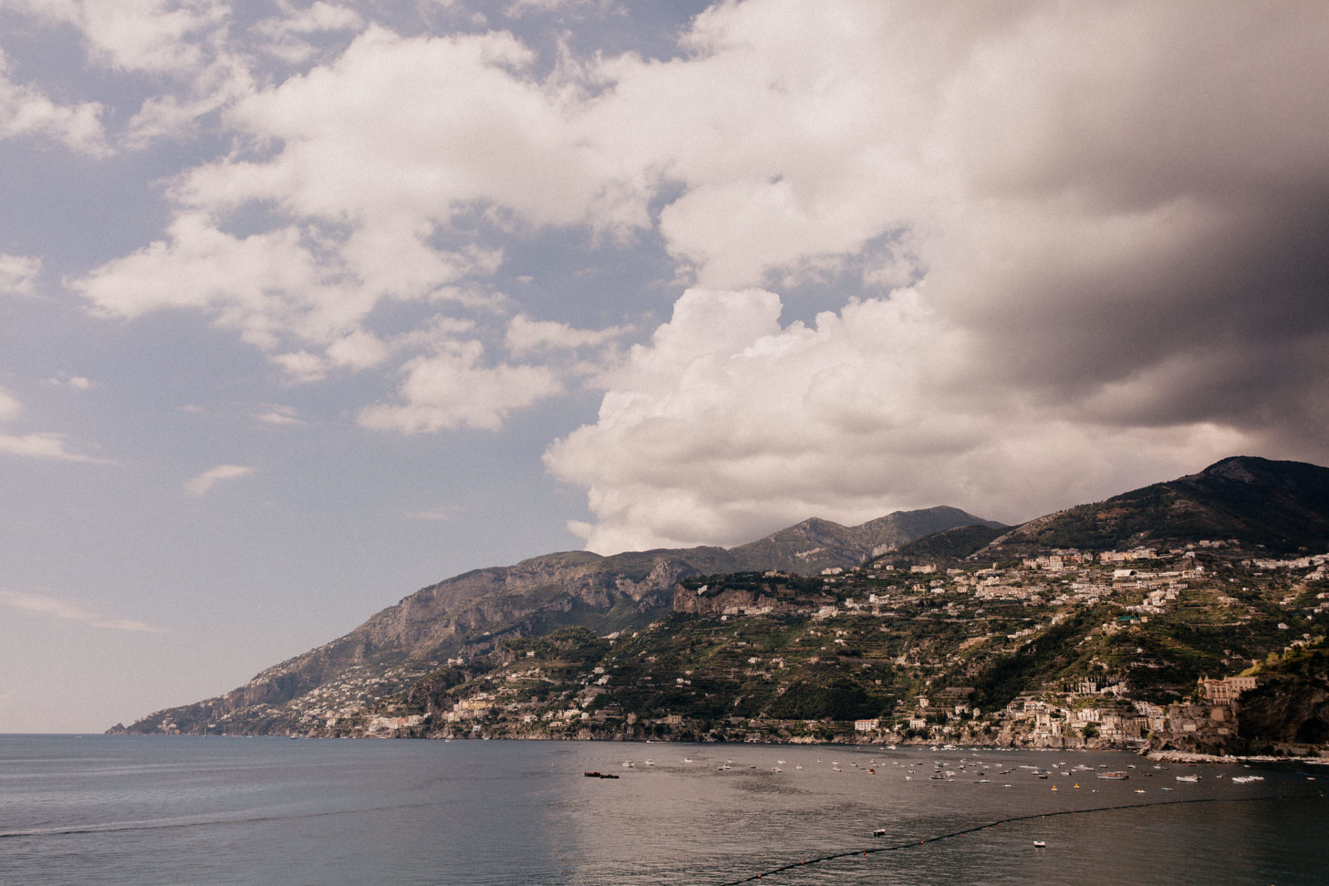 amalfi coast wedding photographer-paestum ceremony-destination wedding italy