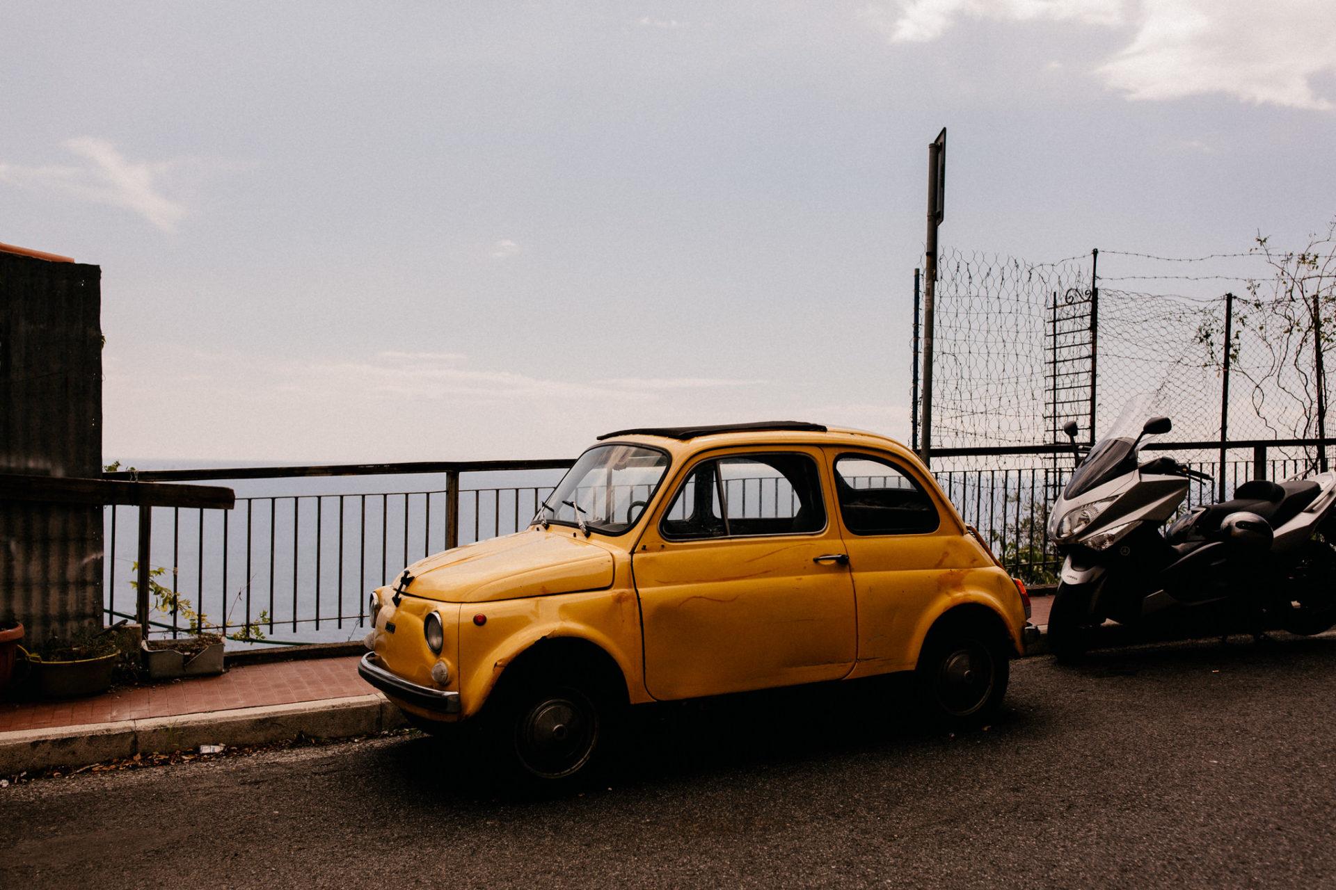 amalfi coast wedding photographer-paestum ceremony-destination wedding italy fiat 500