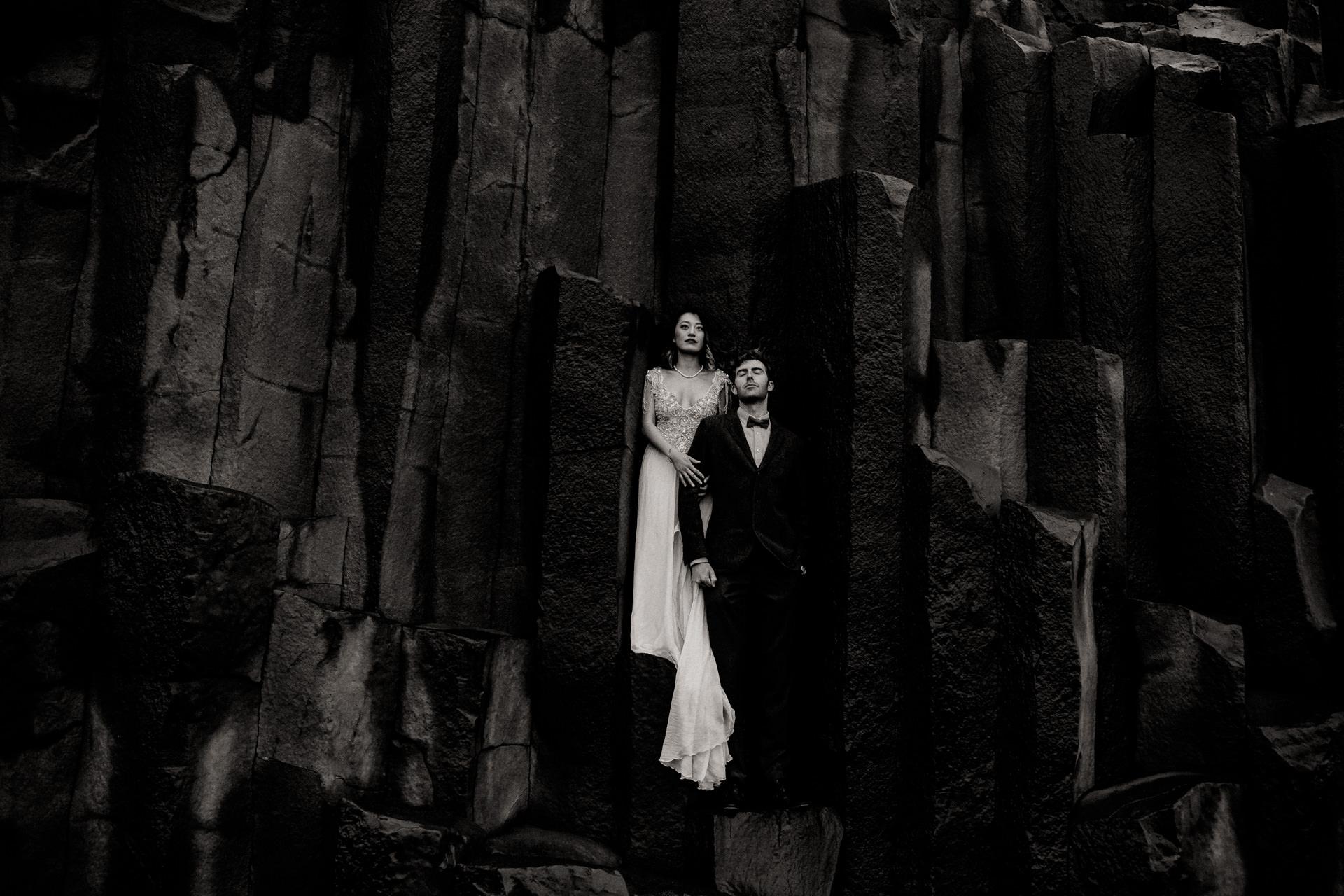 iceland wedding photographer-wedding photos black beach vik