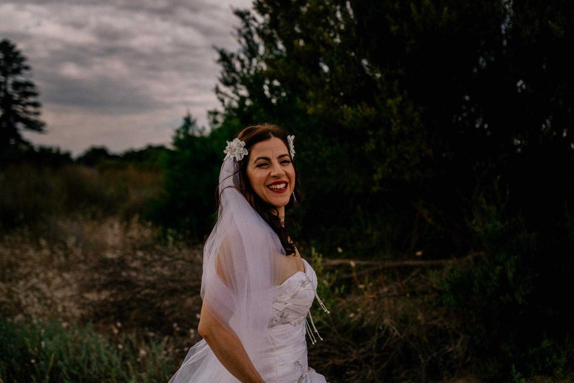 Hochzeitsfotograf Australien Melbourne-DIY Gartenhochzeit-Brautportrait am Strand