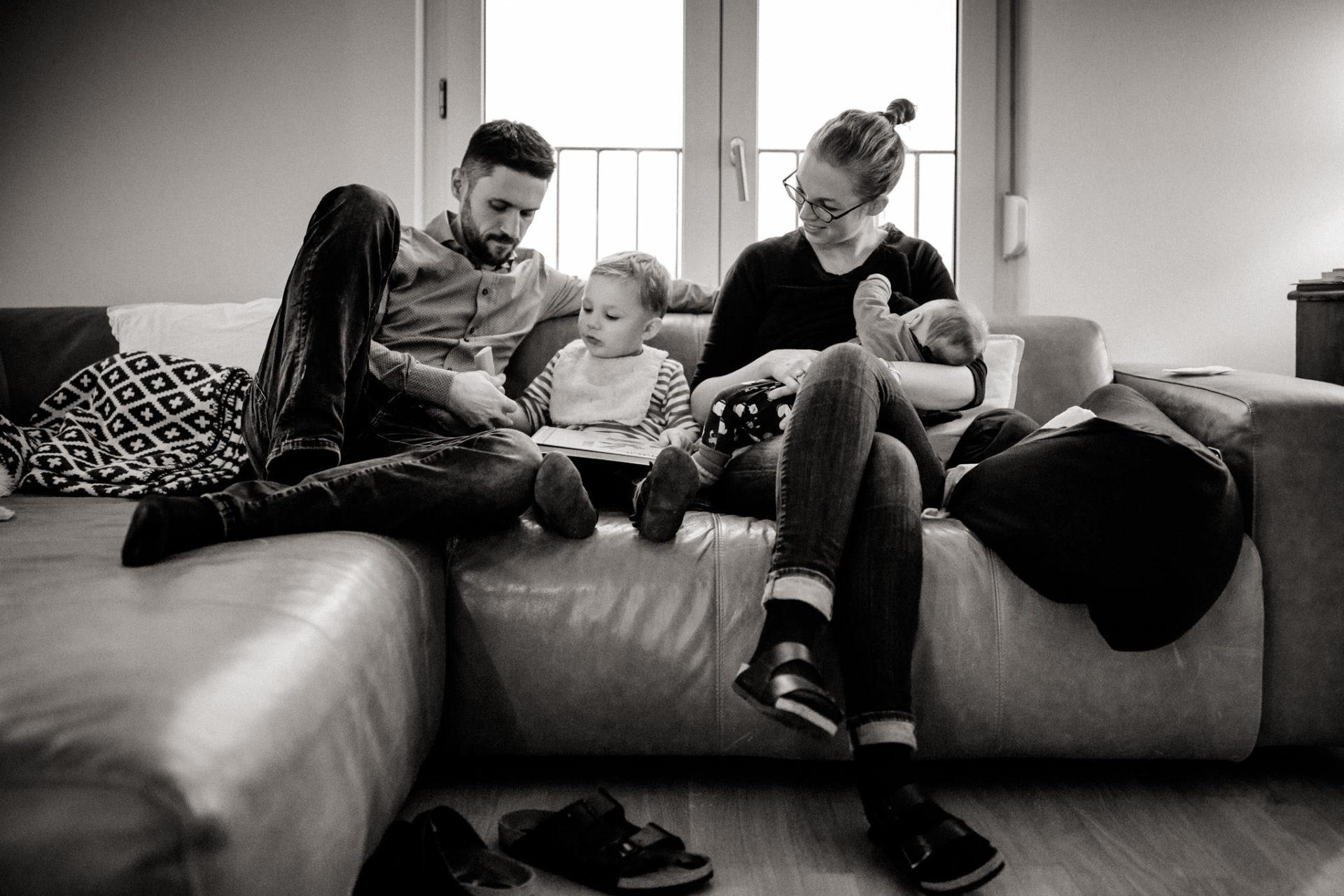 familienfotografie-mainz-journalistische-kinderbilder-neugeborenen-fotos