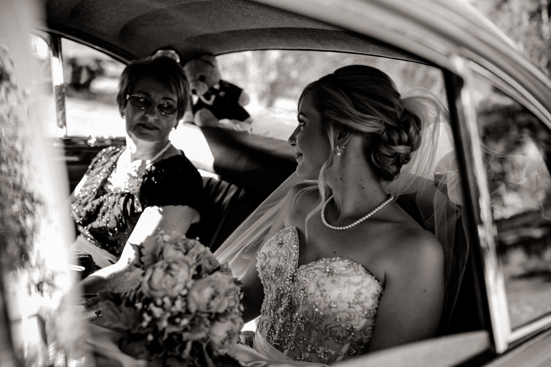 backyard-wedding-australia-melbourne-ceremony-bride-getting-out-of-classic-car-grandma