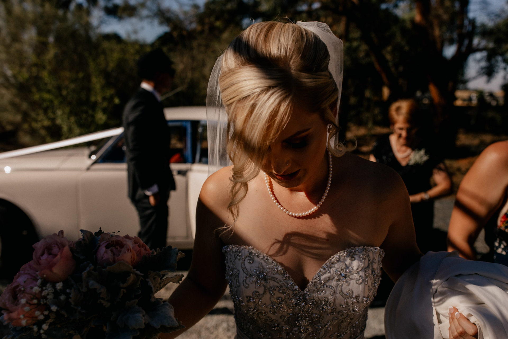 backyard-wedding-australia-melbourne-ceremony-bride-getting-out-of-car