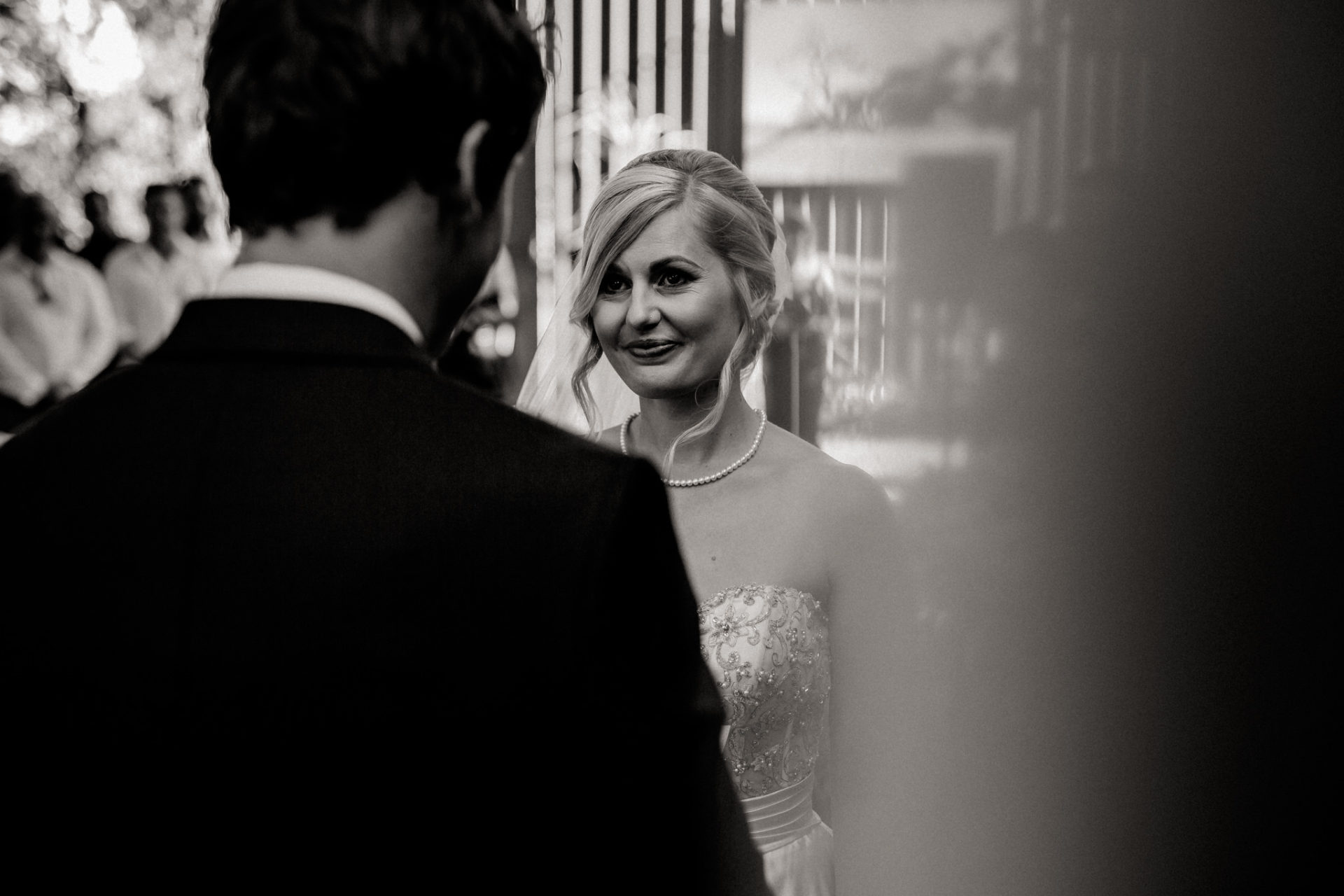 backyard-wedding-australia-melbourne-ceremony-first-look