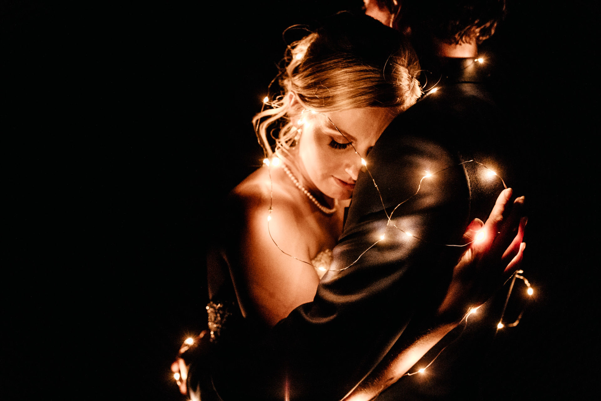 backyard-wedding-australia-melbourne-bride-night-portrait-bride-and-groom-with-fairy-lights