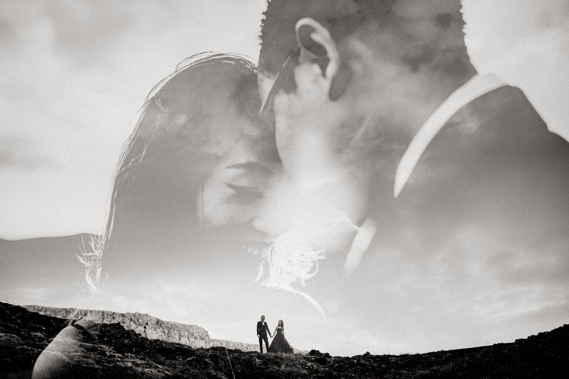 Verlobungsfotos-Island-Abeuteuer-Foto-Session-Wanderung-In Love Session-doppelbelichtung-schwarzweiß